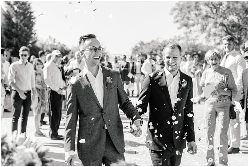 Confetti throwing after ceremony