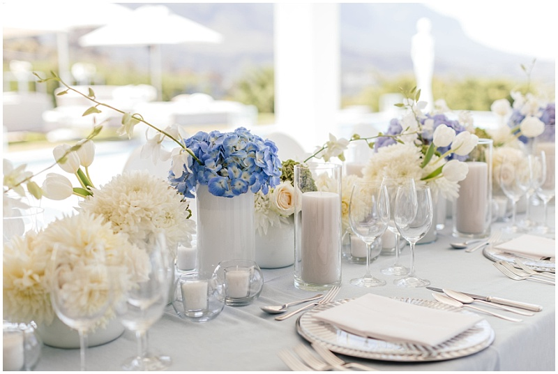 blue and white wedding table arrangements